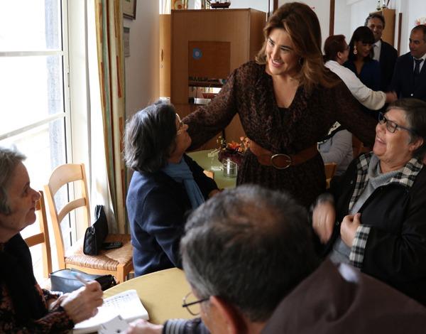 Governo Regional cria Comissão de Acompanhamento ao Cuidador Informal