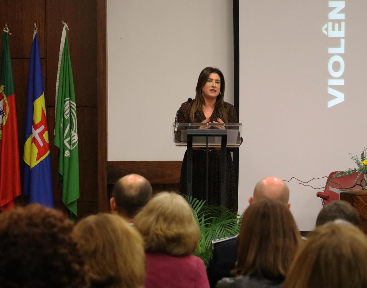 Augusta Aguiar reitera compromisso do Governo Regional no combate à violência doméstica contra idosos