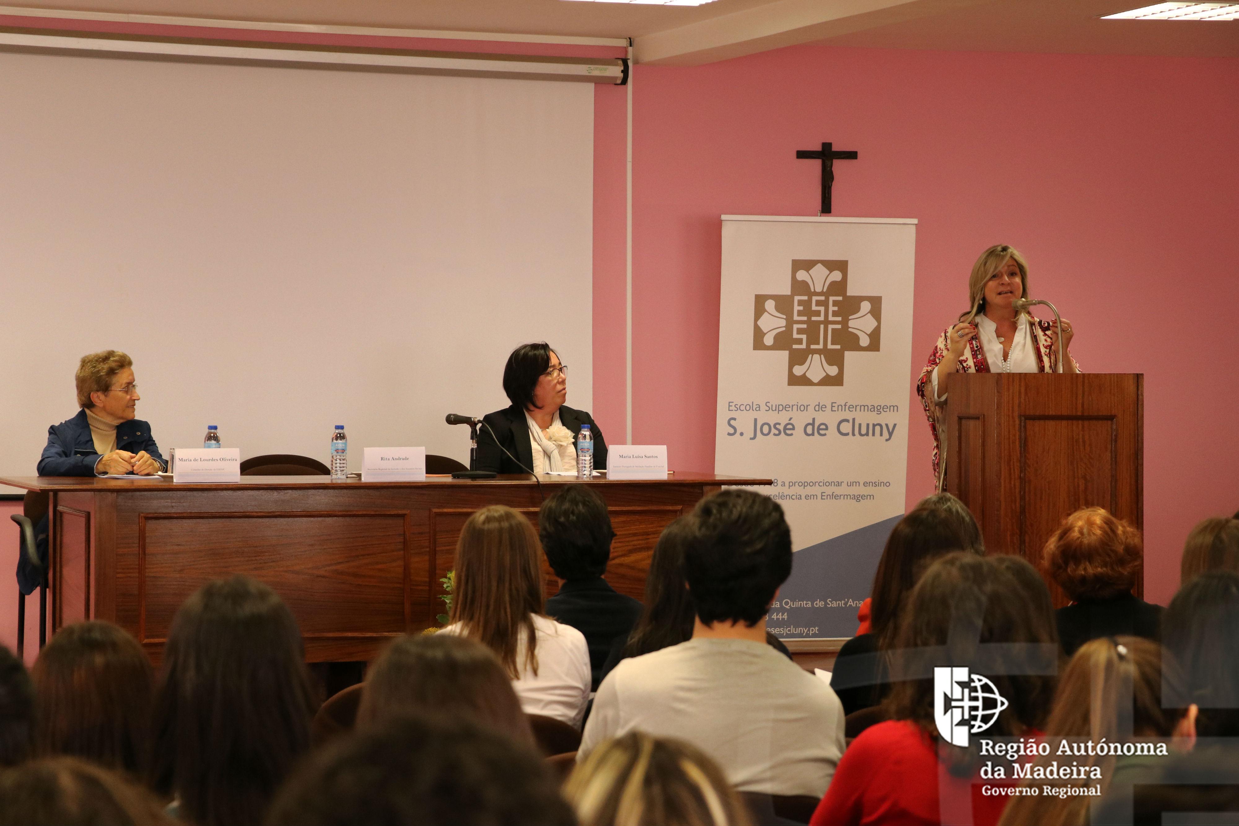 Secretária Regional na Conferência 'Mediação como Metodologia de Inovação Social: do Pré ao Ensino Superior'