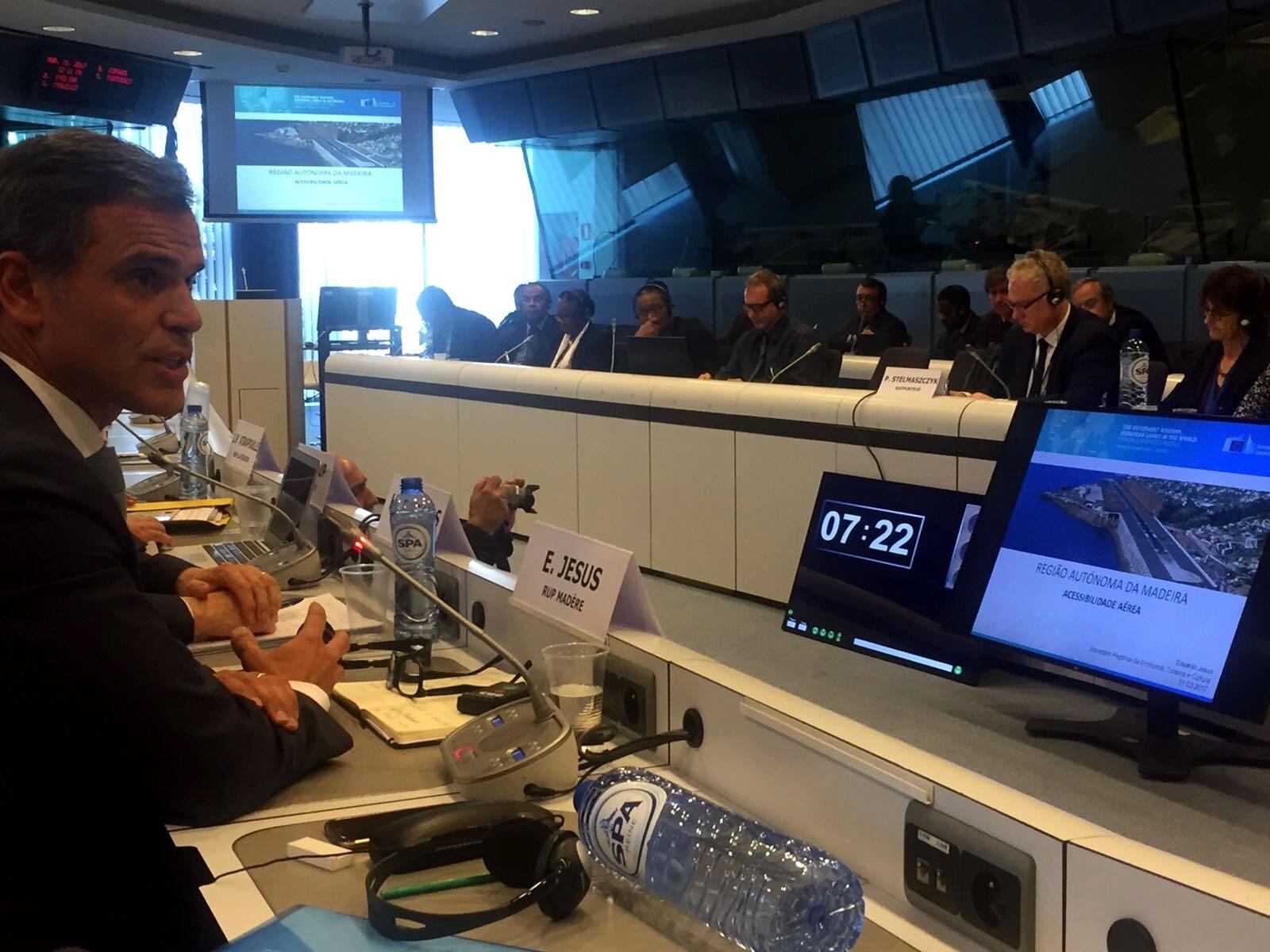 Eduardo Jesus apresenta modelo da Região em Bruxelas