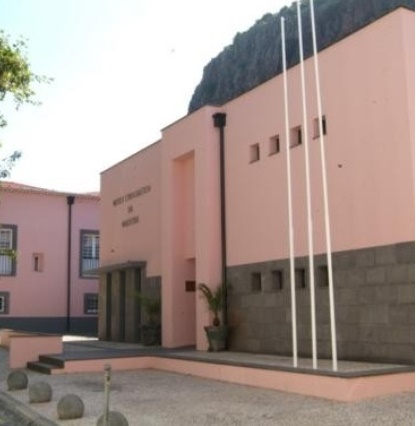 """Museu Etnográfico recebe """"as barrigas também têm dentro"""" do Teatro Feiticeiro do Norte"""