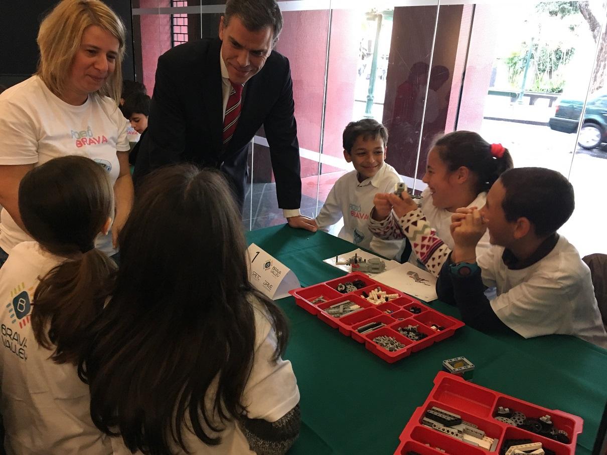 """Cerca de 120 crianças participam nas sessões do """"RobôBrava"""" no Funchal"""