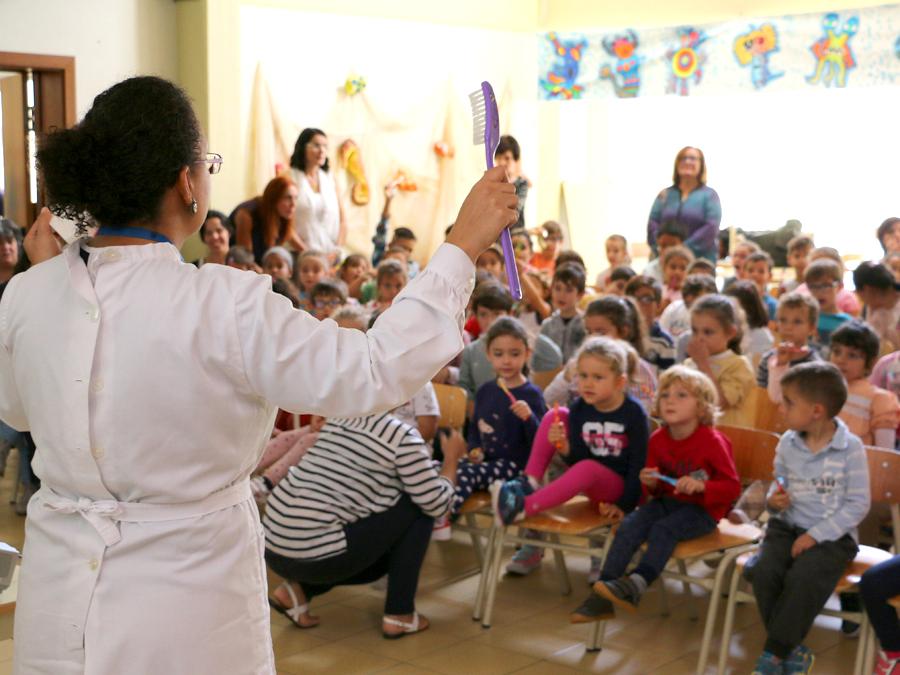 """Seis mil alunos põem """"Madeira a Sorrir"""""""