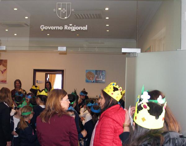Cantar de Reis na Secretaria Regional de Educação