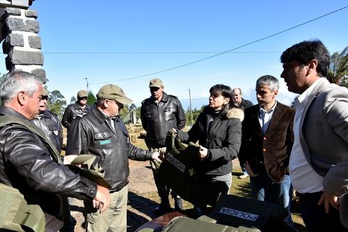 Entrega de coletes balísticos para proteção da polícia florestal