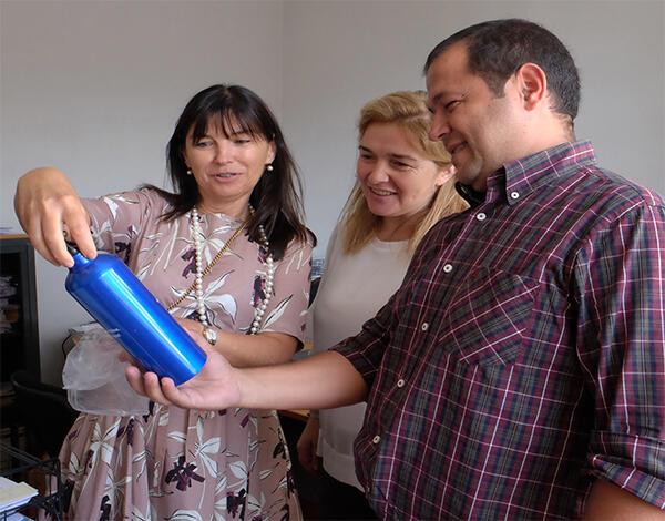 Entrega de garrafas recicláveis aos 800 funcionários da ARM para redução da produção de resíduos e combate ao desperdício