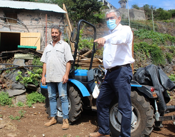 Humberto Vasconcelos visitou exploração agrícola no Caniço