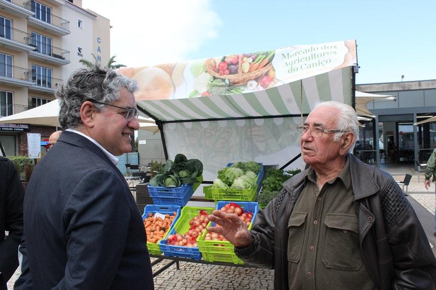 Mercado de Agricultura Biológica na Avenida Arriaga